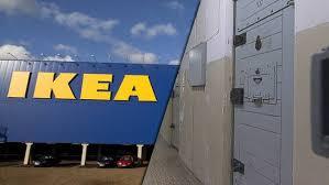IKEA erkänner att dom låtit DDR-fångar tillverka möbeldelar.