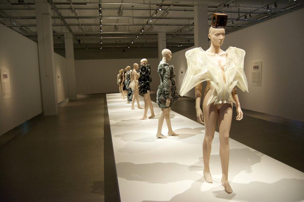 Iris Van Herpen. Borås Textilmuseum. Foto: Sanjin Đumišić.