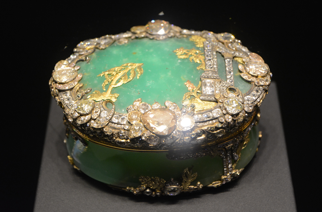 charlottenburg-castle-snuff-box-lisa-sinclair-11