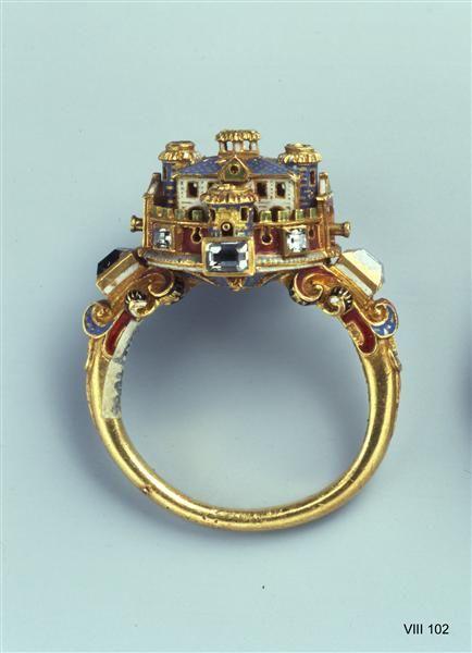 Små välarbetade detaljer på denna italienska ring. Från andra halvan av 1500-talet.